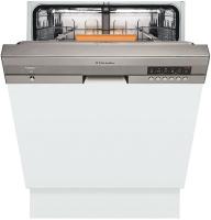 Фото - Встраиваемая посудомоечная машина Electrolux ESI 67070