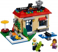 Фото - Конструктор Lego Modular Poolside Holiday 31067