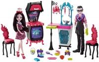 Кукла Monster High Monster Family Vampire Kitchen FCV75