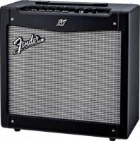 Фото - Гитарный комбоусилитель Fender Mustang II