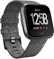 Носимый гаджет Fitbit Versa