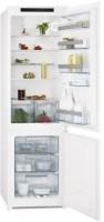 Встраиваемый холодильник AEG SCT 71800 S1