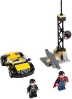 Фото - Конструктор Lego Superman Metropolis Showdown 76002
