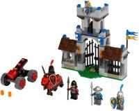 Фото - Конструктор Lego The Gatehouse Raid 70402
