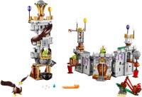 Фото - Конструктор Lego King Pigs Castle 75826