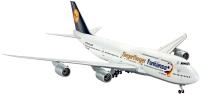 Фото - Сборная модель Revell Boeing 747-8 Lufthansa Fanhansa Siegerflieger (1:144)