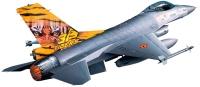 Фото - Сборная модель Revell Lockheed Martin F-16 Mlu TigerMeet (1:144)