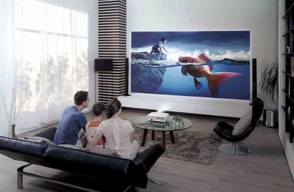 Пятёрка проекторов для домашнего кинотеатра
