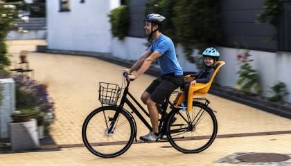 Велопрогулки с ребёнком: 5 детских велосипедных кресел