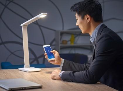 Феерия света: пятерка настольных LED-ламп