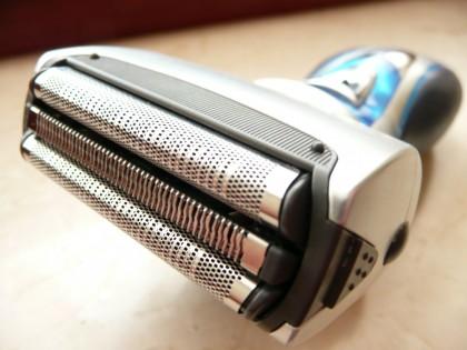 Пятерка лучших сеточных электрических бритв для сухого и влажного бритья