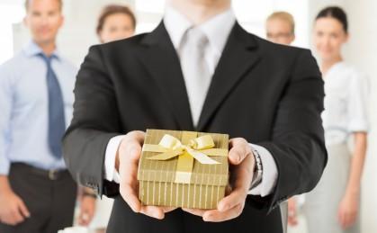 5 идей новогодних подарков для офисных работников