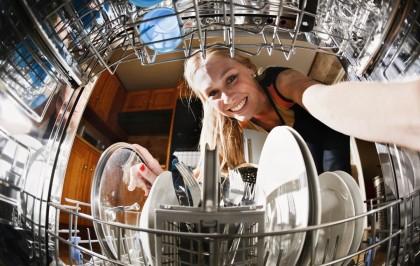 Скрипучая чистота: ТОП-5 узких посудомоек шириной 45 см