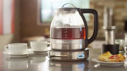Вкусный горячий напиток к завтраку: как выбрать электрочайник?