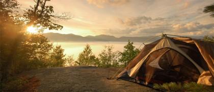 На природу с семьей: ТОП-5 трехместных палаток