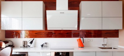 Комфорт на вашей кухне: ТОП-5 пристенных вытяжек