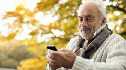 Телефоны для старшего поколения: пятёрка актуальных моделей