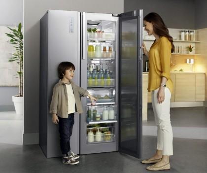 Пятёрка вместительных холодильников для большого семейства