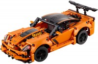 Конструктор Lego Chevrolet Corvette ZR1 42093