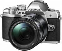 Фото - Фотоаппарат Olympus OM-D E-M10 III  kit 14-150