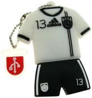 Фото - USB Flash (флешка) Uniq Football Uniform Ballack 3.0  8ГБ