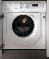 Фото - Встраиваемая стиральная машина Indesit BI WDIL 75145