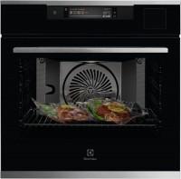 Духовой шкаф Electrolux SteamPro KOAAS31WX