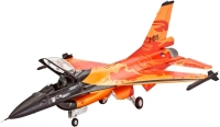 Фото - Сборная модель Revell Lockheed Martin F-16 Mlu Solo Display (1:72)