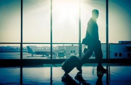Собираем чемоданы: ТОП-5 чемоданов среднего размера по цене до 150$