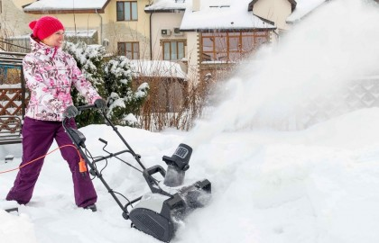 Пятерка электрических снегоуборщиков для борьбы со снежными залежами