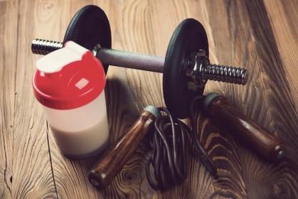 Лайфхак для начинающего спортсмена: правила выбора и приема протеина