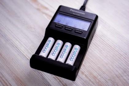 5 зарядных устройств для «заправки» аккумуляторных батареек
