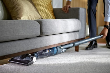 Очищаем полы, мебель, салон авто: ТОП-5 вертикальных портативных пылесосов