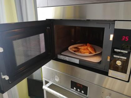 Экономия времени и места на кухни: ТОП-5 встраиваемых микроволновок