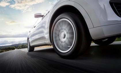 Пятерка премиальных летних автошин R18 для автомобилей класса SUV