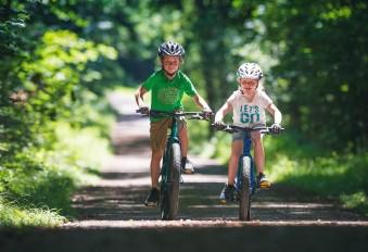 За рулем с малых лет: ТОП-5 доступных и качественных горных велосипедов для детей