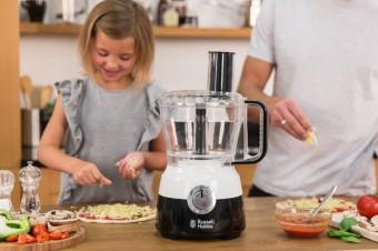 Взбивает, измельчает и шинкует: ТОП-5 кухонных машин