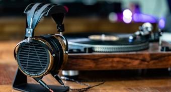 ТОП-5 отличных студийных наушников для аудиофилов