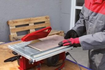 Кладем плитку своими руками: ТОП-5 электрических плиткорезов для ремонта дома