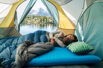 П'ятірка кращих спальників-ковдр для різних погодних умов