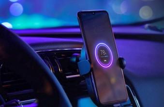 ТОП-5 автомобильных держателей для смартфона с беспроводной зарядкой