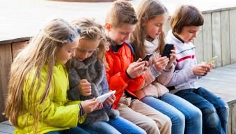 Бюджетный класс: ТОП-5 недорогих смартфонов для школьников